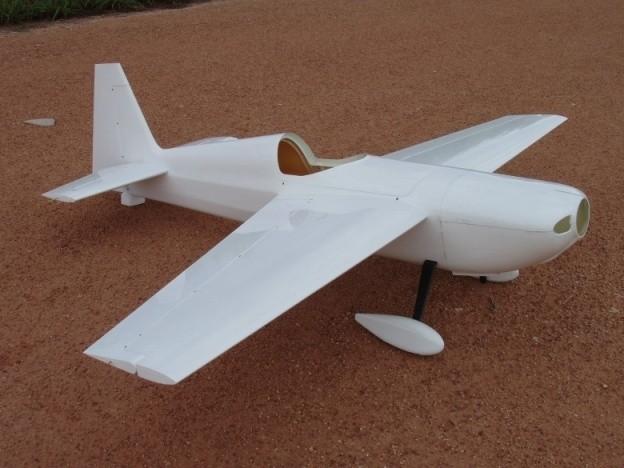 CARF-Models Edge 540 2.6m weiss