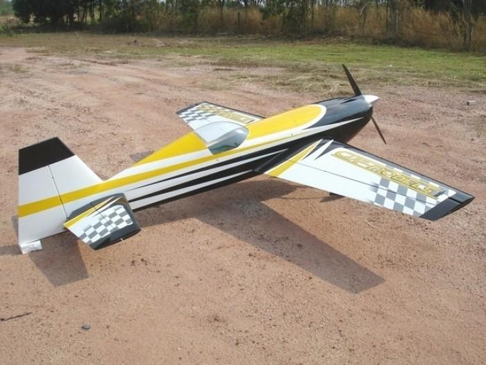 CARF-Models Extra 330SC 3,1m (Yellow Checker Sch.)