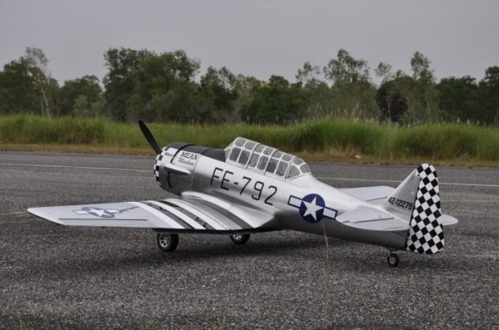 "CARF-Models AT-6 ""Texan"" (all Silver,single Color)"